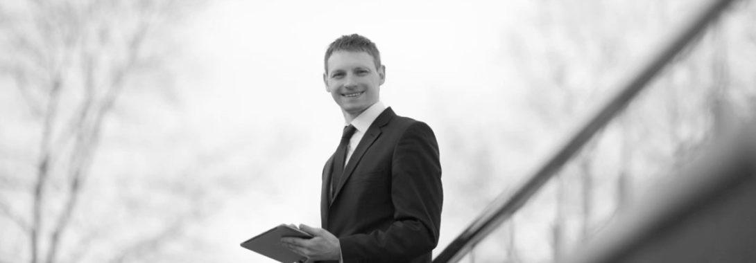 Сергей Атрощенко — трейдер, автор уроков и курсов по трейдингу.